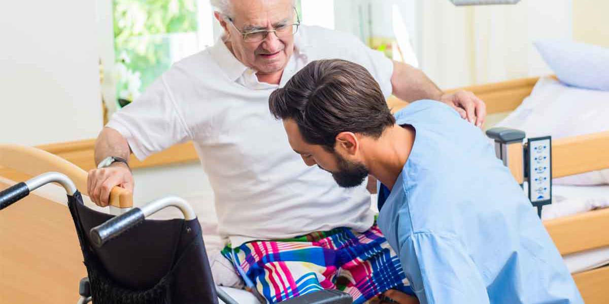 Maenner und ein Job in der Pflege? Das passt!